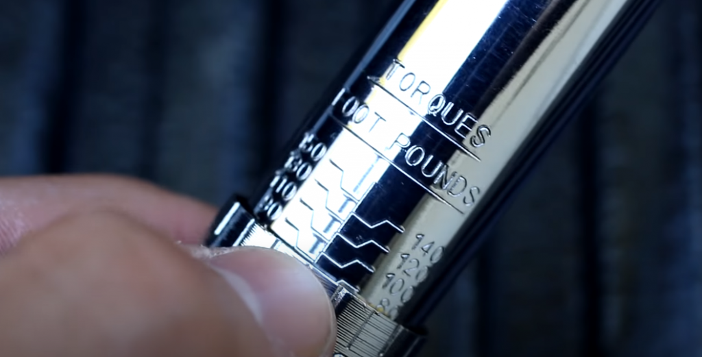 How to use a torque wrench: a two-step instruction